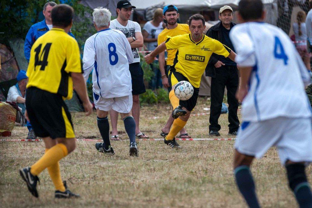 футбольный матч на грушинском фестивале